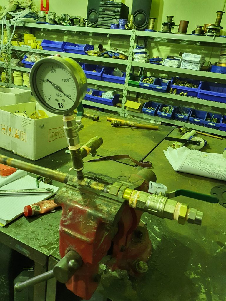 live thermowell insertion
